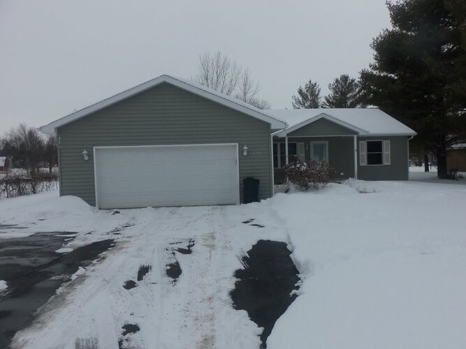 3863 W Old Road 30 Road Warsaw, IN 46580 | MLS 202105060