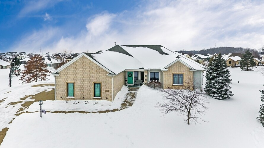 4302  Hatcher Pass Fort Wayne, IN 46845 | MLS 202105128