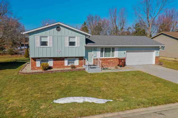 1120  Sunset Drive Wabash, IN 46992 | MLS 202106870