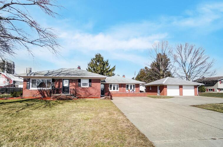 28332  County Road 38 Road Wakarusa, IN 46573-9759 | MLS 202107261