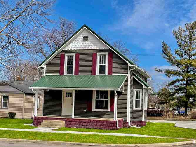 727 S Monticello Street Winamac, IN 46996-1532 | MLS 202108307