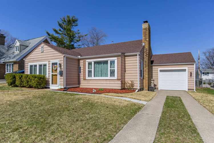 1153 E Fairview Avenue South Bend, IN 46614 | MLS 202110625