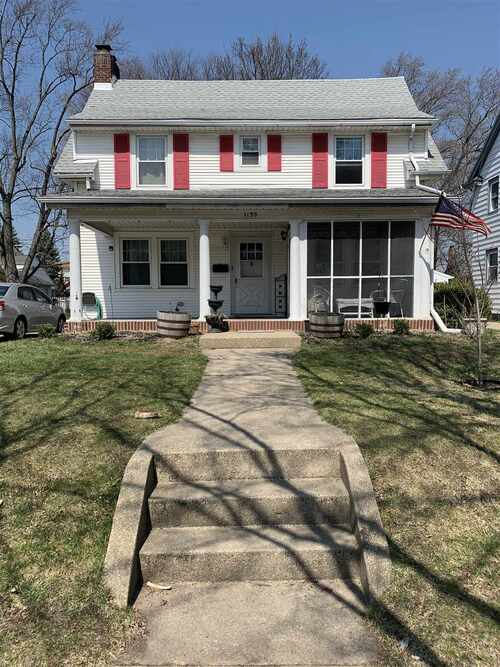 1139 E Bronson Street South Bend, IN 46615-1139 | MLS 202110930