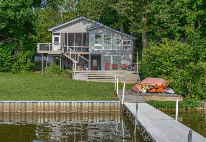 8047 N Lakeview Drive Unionville, IN 47468 | MLS 202111623
