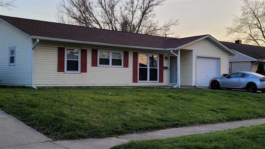 2205  Maumee Place Lafayette, IN 47909-2732   MLS 202112142