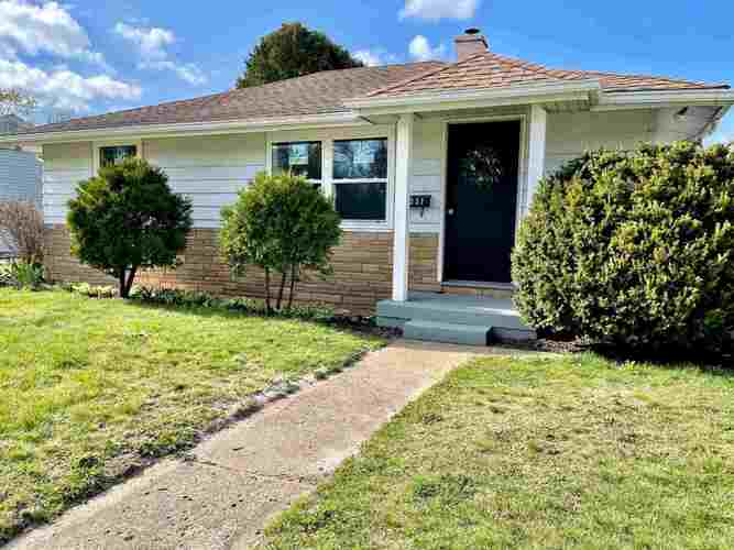 1237  Edgewood Drive South Bend, IN 46616-2152 | MLS 202112737