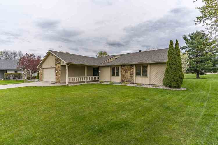 8917  Smokey Hill Place Fort Wayne, IN 46804 | MLS 202113274