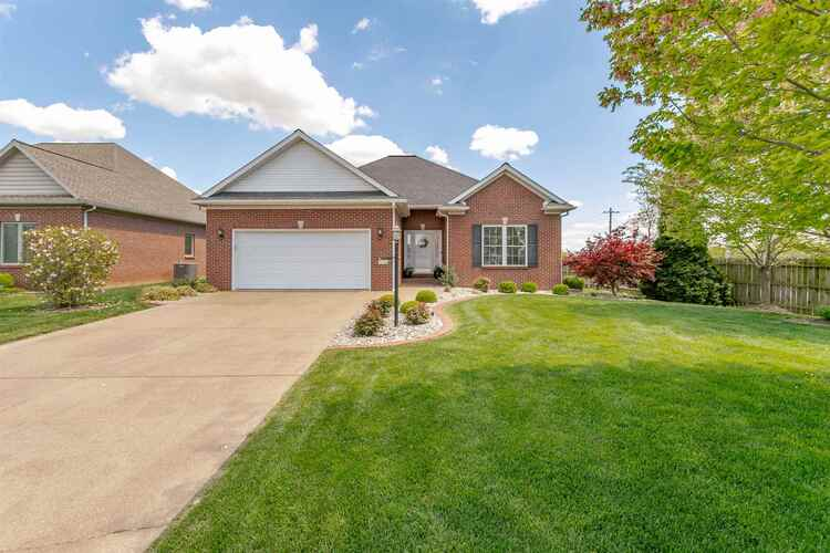 5716  Waterstone Drive Newburgh, IN 47630 | MLS 202113276