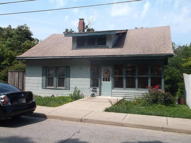 981 S Indiana Avenue French Lick, IN 47432-1274 | MLS 202113462