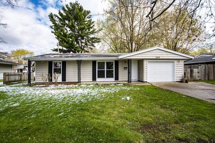 1605  Hickory Place Goshen, IN 46526 | MLS 202113550