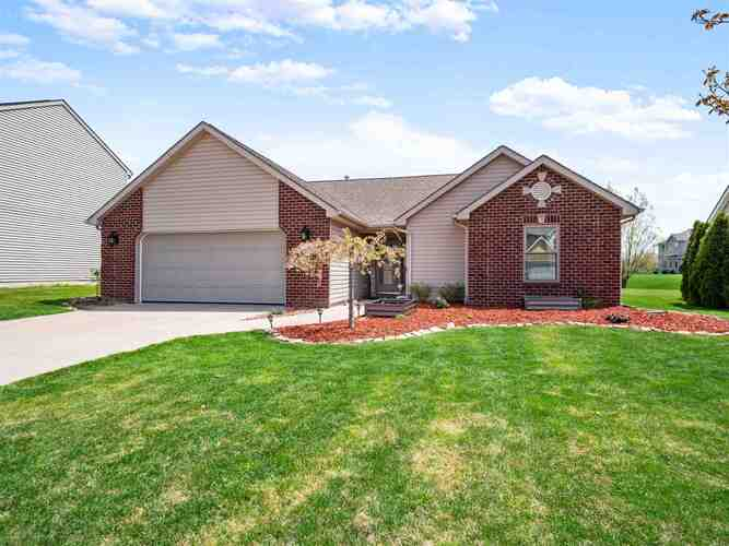 1932  Mark Anthony Crossing Fort Wayne, IN 46818-9149 | MLS 202114862