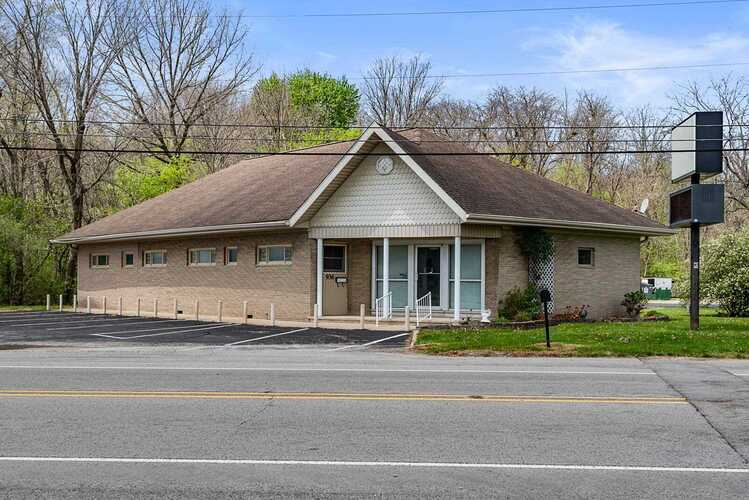 936 W Walnut Street Albany, IN 47320 | MLS 202115651