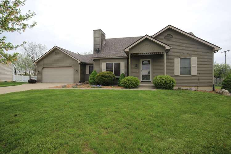 6104  Chateau Place Fort Wayne, IN 46835 | MLS 202115676