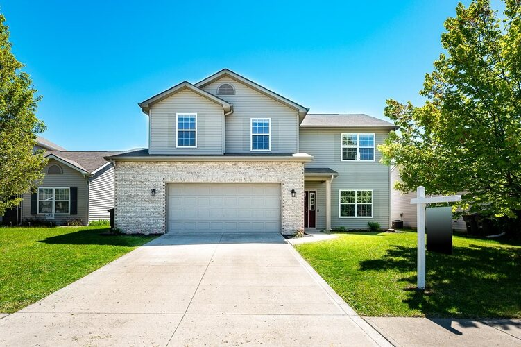 3914  Whitfield Chase  Fort Wayne, IN 46815-5847 | MLS 202117341