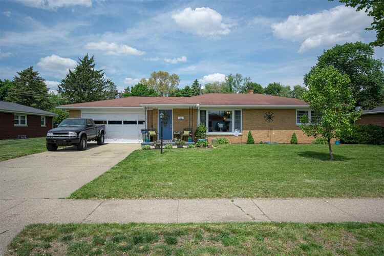 2520  Riverview Place Elkhart, IN 46516 | MLS 202119798