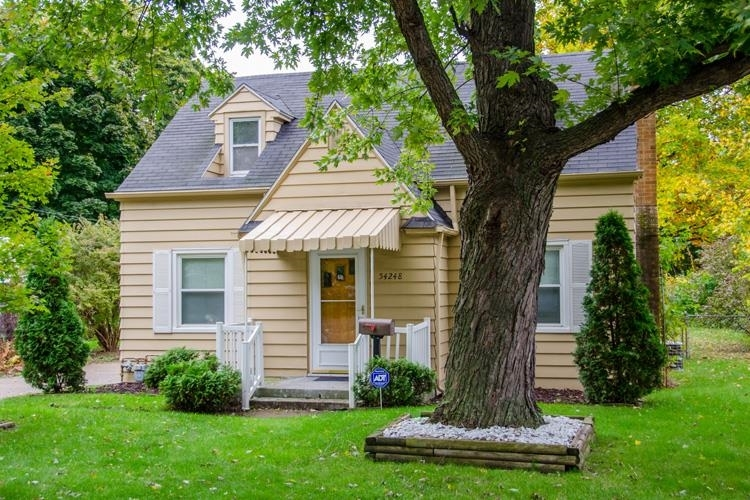 54248  Northern Avenue South Bend, IN 46635 | MLS 202121735