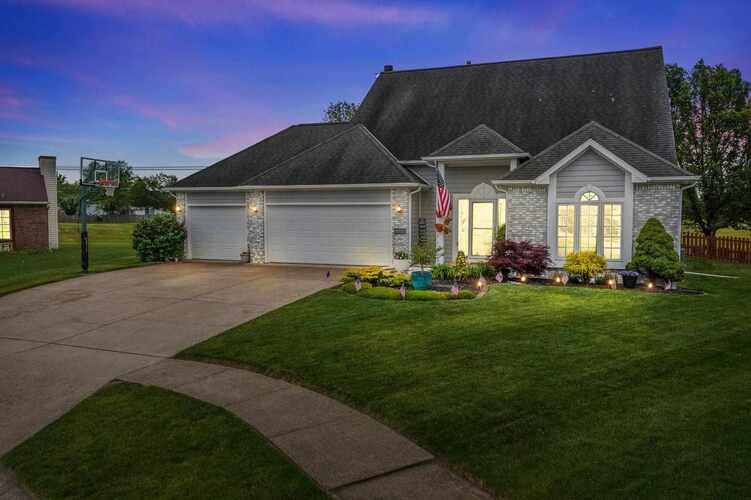 3509  Charger Court Fort Wayne, IN 46818 | MLS 202121870