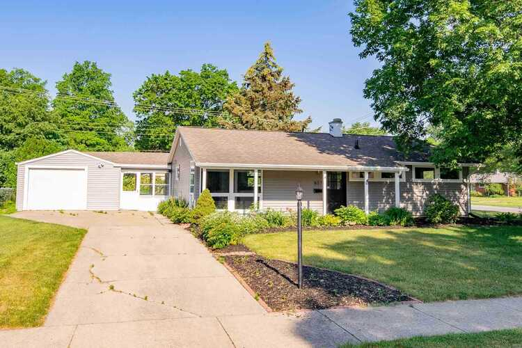 837 N Patterson Drive South Bend, IN 46615-3321 | MLS 202122353