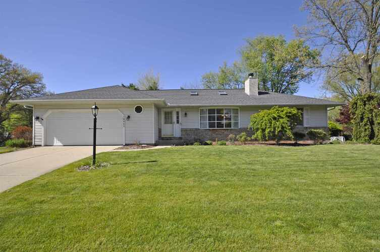 19065  Pelican Cove Court South Bend, IN 46637-3900 | MLS 202123835