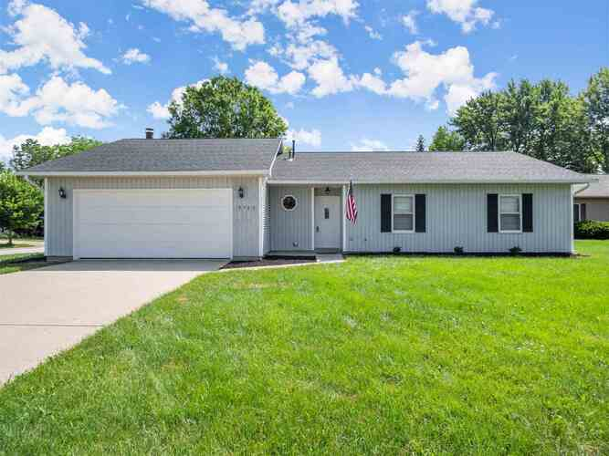 3703  Andover Place Fort Wayne, IN 46804   MLS 202125686