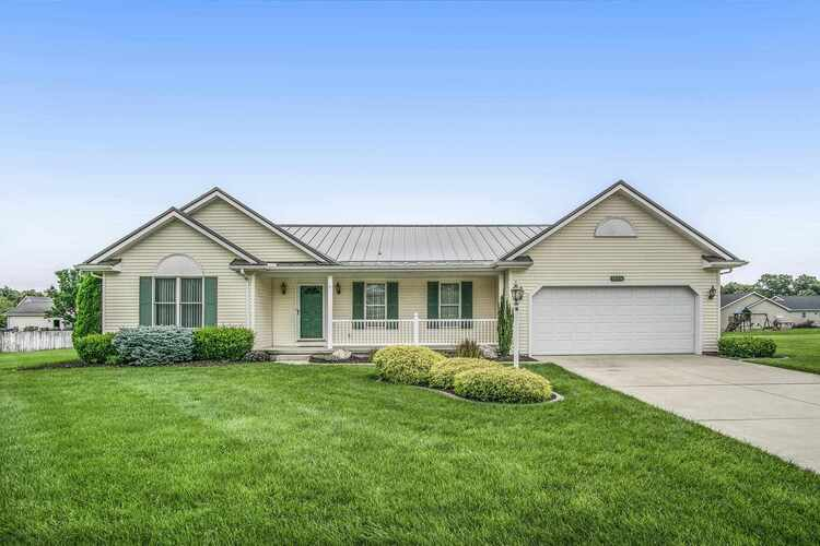 58376  Summer Chase Drive Elkhart, IN 46517-9014 | MLS 202128140