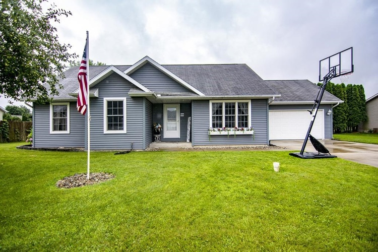 27590  Red Thistle Drive Elkhart, IN 46514-8254   MLS 202129203
