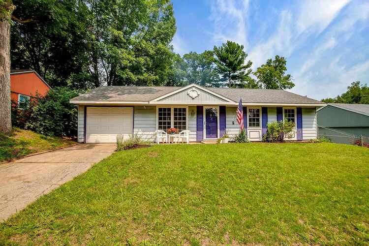 1327  Northlea Drive South Bend, IN 46628-3815   MLS 202129377