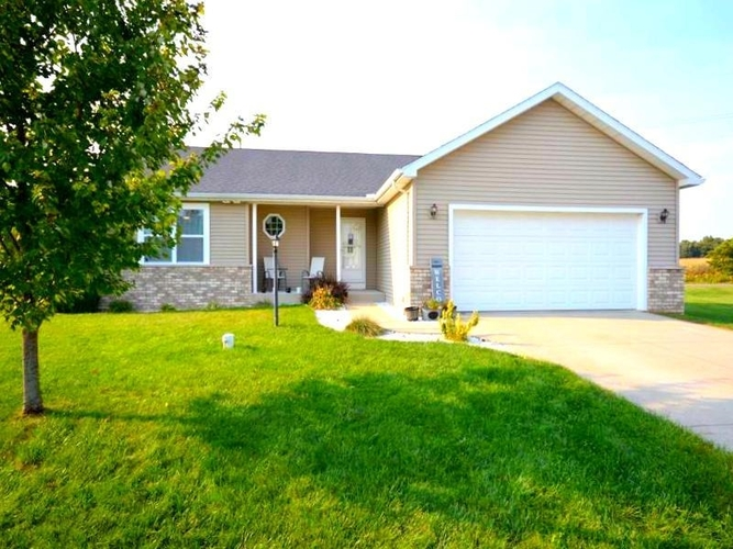54515  Bonito Court Middlebury, IN 46540-8464 | MLS 202138256