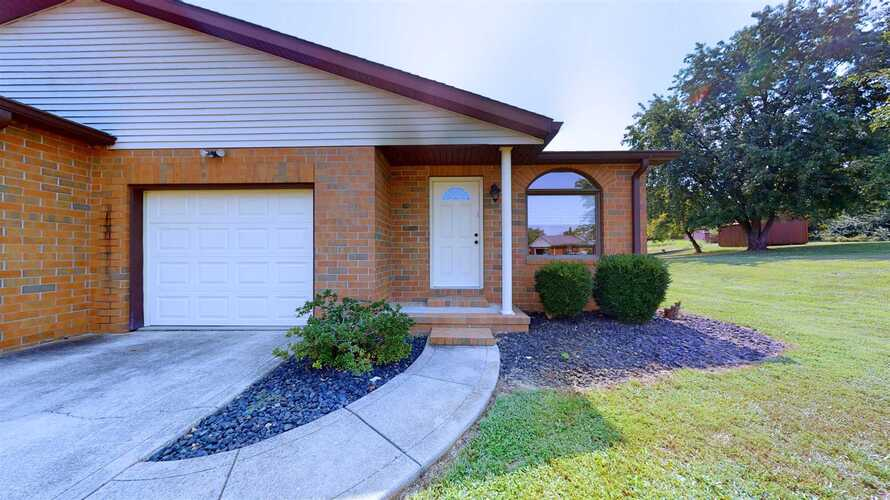 1809 W Essex Place Princeton, IN 47670 | MLS 202138662