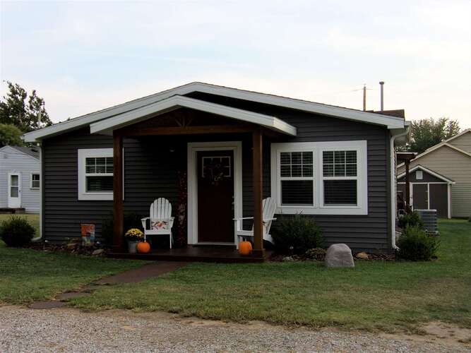 11840 W Lookout Dr.  Monticello, IN 47960   MLS 202138783
