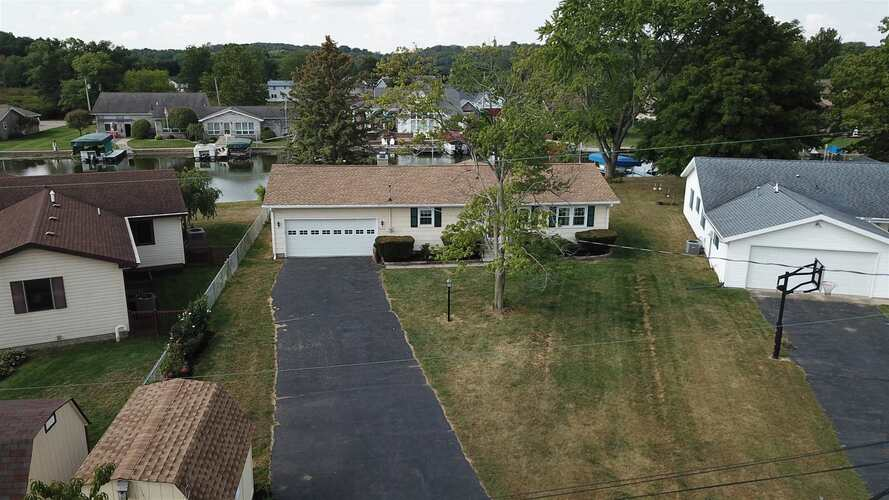 2613  Wolfs Point Drive Rochester, IN 46975   MLS 202139231