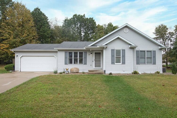 800  Spring Valley Drive Middlebury, IN 46540 | MLS 202140206