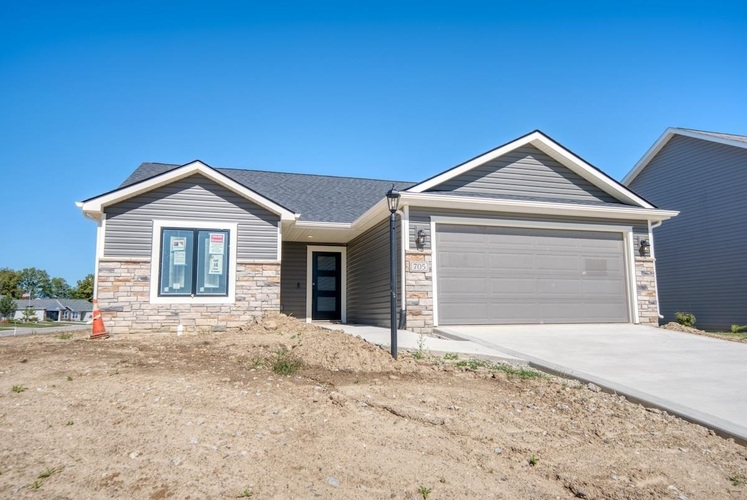 705  Bailey Court Angola, IN 46703   MLS 202141124