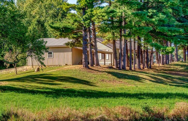 6220 S 850 West Road South Whitley, IN 46787 | MLS 202141192