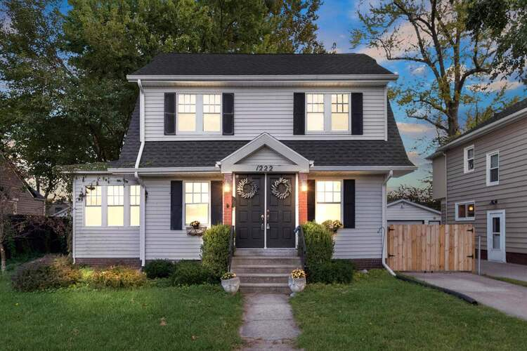 1222 E South Street South Bend, IN 46615-1008 | MLS 202141218