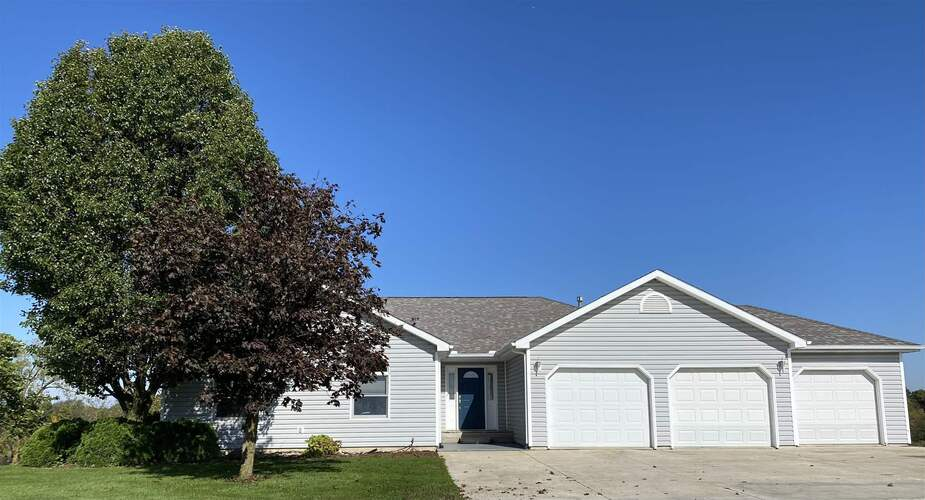 14 E Bellefontaine Road Pleasant Lake, IN 46779   MLS 202143192