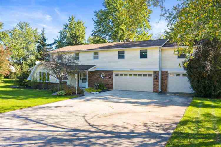 10320  Hickory Valley Drive Fort Wayne, IN 46835 | MLS 202144121