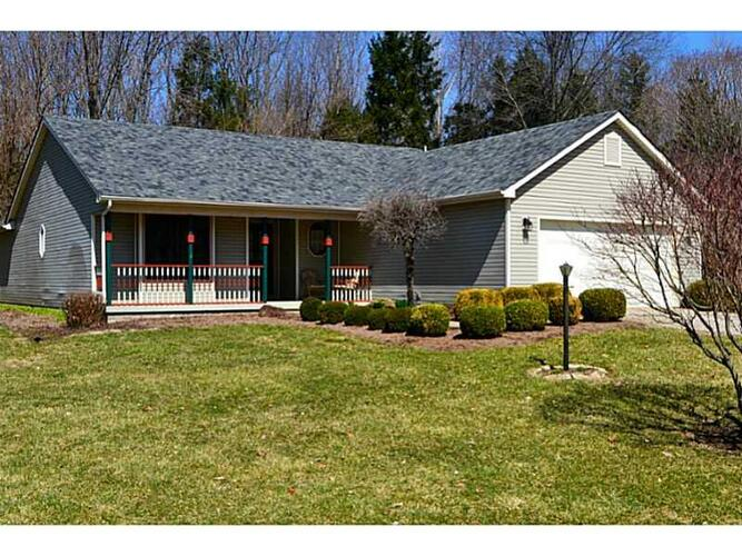 1840 COLONIAL Drive Martinsville, IN 46151   MLS 21282609   photo 1