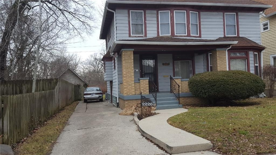 2226 N Capitol Avenue Indianapolis IN 46208 | MLS 21540972 | photo 2