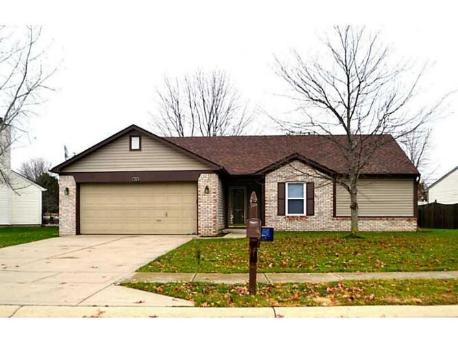 208 Pineview Drive Mooresville, IN 46158 | MLS 21326298 | photo 1