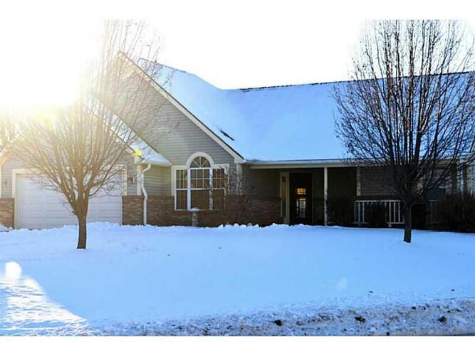923 Eagle Brook Shelbyville, IN 46176   MLS 21337975   photo 1