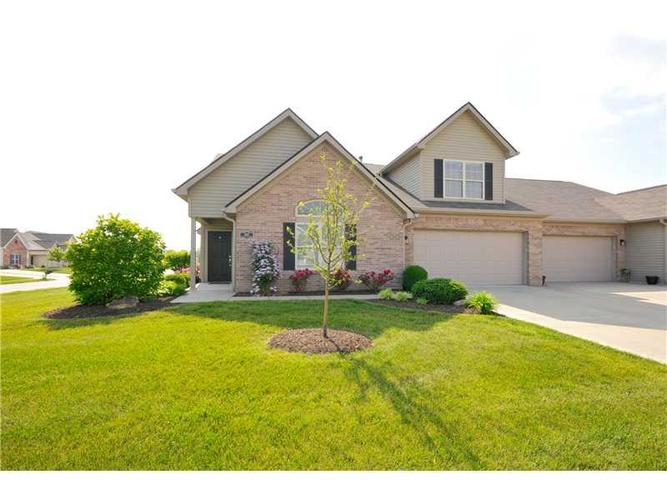 1452  Colony Park Drive Greenwood, IN 46143 | MLS 21357499