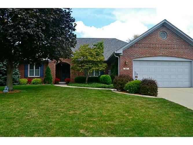 6015 Creekbend Court Indianapolis, IN 46217 | MLS 21372042 | photo 1