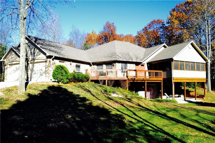 543 DOGWOOD Trace Martinsville, IN 46151 | MLS 21385874 | photo 1