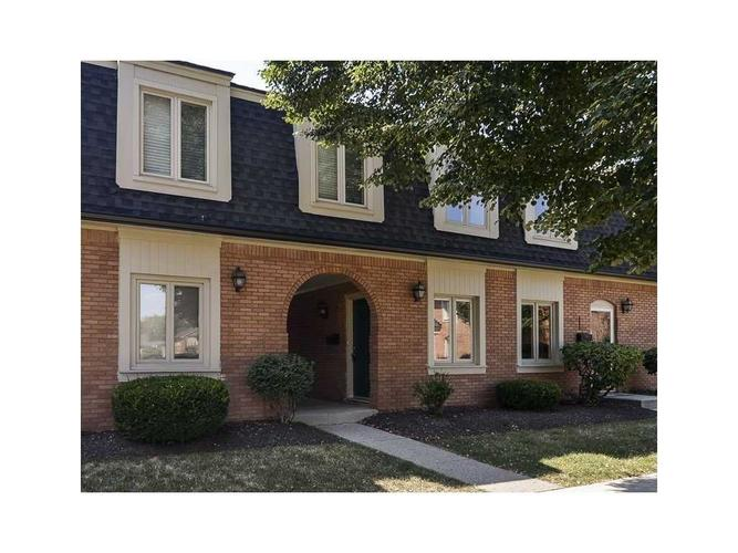 1145 Canterbury Court #1145-B Indianapolis, IN 46260   MLS 21467365   photo 1