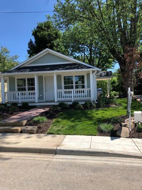 121 5th Street NE Carmel, IN 46032 | MLS 21527942 | photo 1
