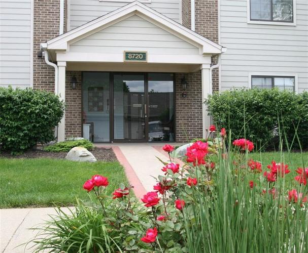 8720 Yardley Court #204 Indianapolis, IN 46268   MLS 21546232   photo 1