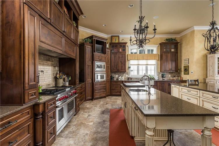7490 Hunt Country Lane Zionsville, IN 46077 | MLS 21548067 | photo 15