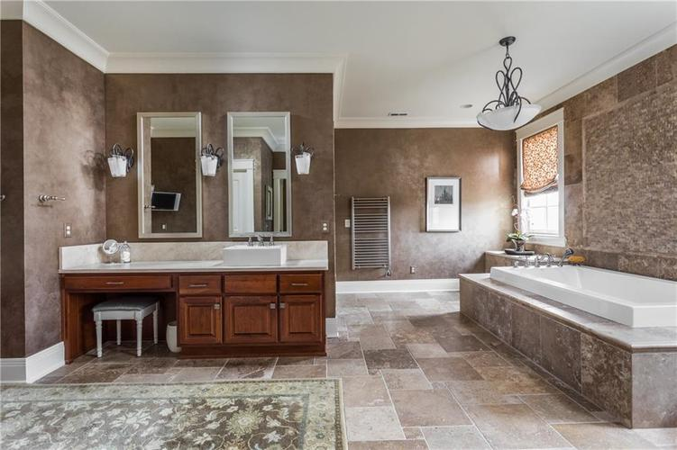 7490 Hunt Country Lane Zionsville, IN 46077 | MLS 21548067 | photo 35