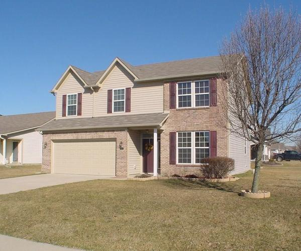 6103 N Woods Edge Drive McCordsville, IN 46055 | MLS 21548206